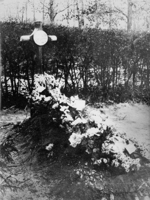 Richthofen grave_web