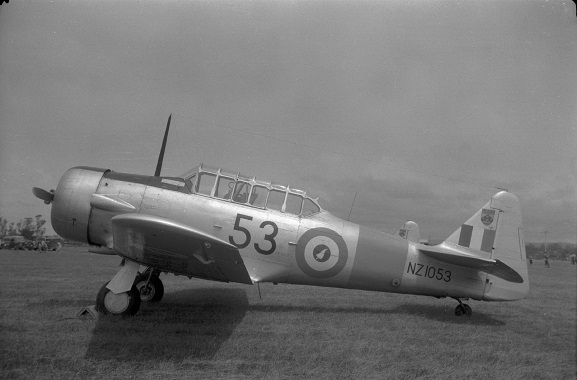 Harvard NZ1053 with a white fern roundel, 1960s. Image: Air Force Museum of New Zealand, DWNZ1053a.